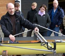 RVSH FÜL 2005: Lingolf von Lingelsheim beim Trimmen von Booten