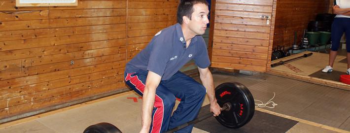 Marc Swienty, Trainer am Sportinternat Ratzeburg, an der Langhantel