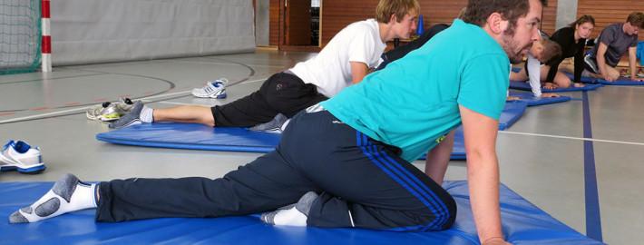 Beweglichkeitstrainingin der Ruderakademie Ratzeburg