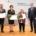 Aushändigung des Bundesverdienstordens an Andreas Henry Klüssendorf (v.l.), Renate Vorbeck und Jutta Kock am 21. September 2021 in Kiel. © Staatskanzlei